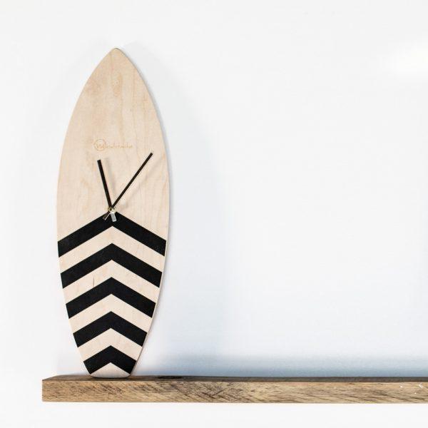 horloge surf en bois