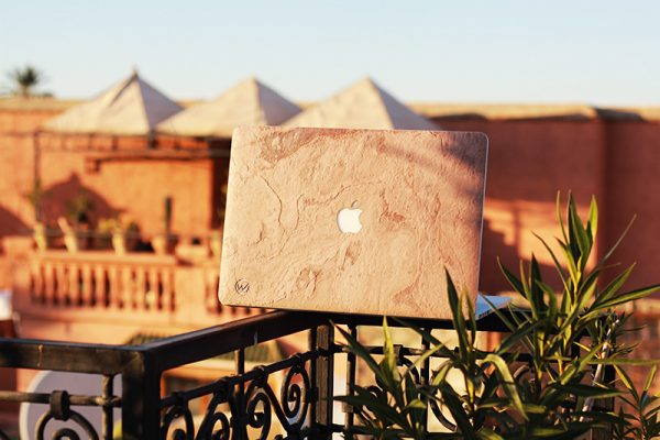 Cover macbook en bois