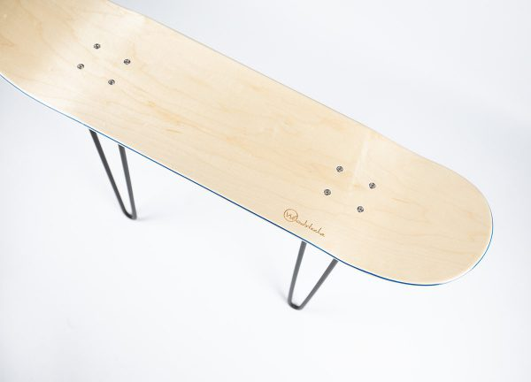 Banc Skateboard woodstache