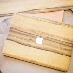 Cover en bois macbook fabrication main